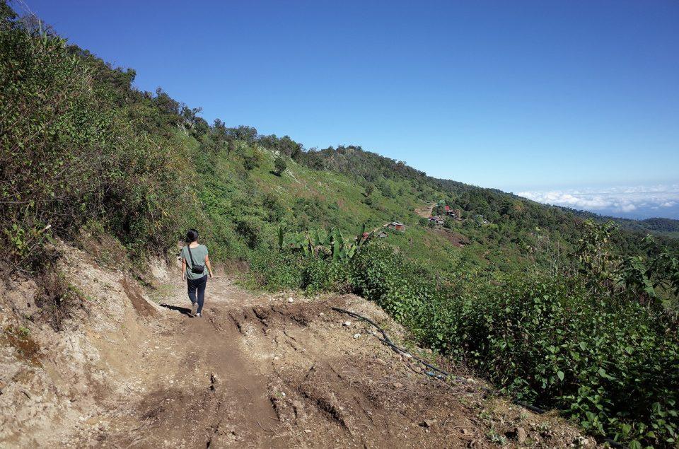 チン族の村へ